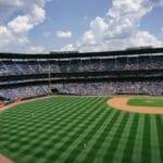 野球スタジアム外野からの風景