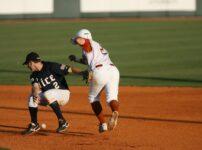 野手とランナーが交錯